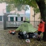 Camping devant un restaurant