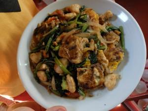nouille de riz saute avec des legumes